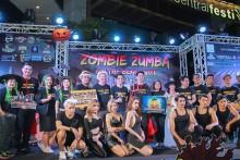 Vizebürgermeister Poramet Ngampichet leitete das Zombie Zumba Fest am Strand.