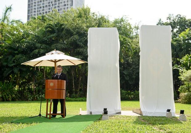 Der deutsche Botschafter Georg Schmidt bei seiner emotionellen Rede.
