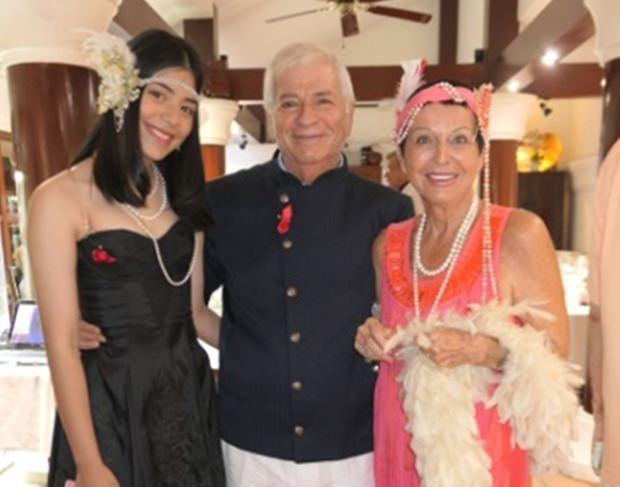 Paolo Battaglino flankiert von Tochter Rita (links) und Heidi Glemeau.