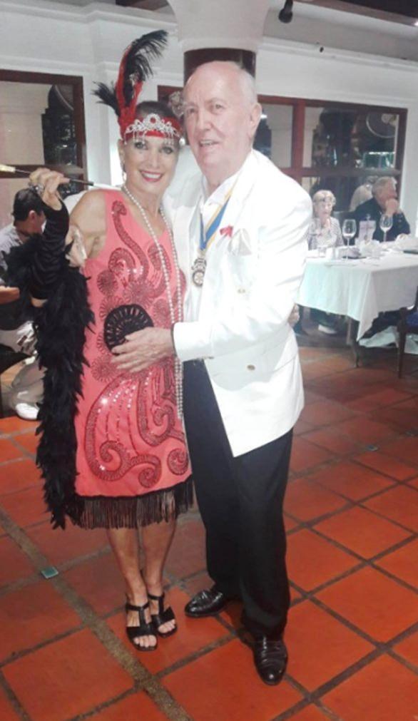 Die Siegerin Marie-Nicole Roy mit RX Marina Präsident Pierre-Yves Erraud.