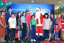 Dr. Komsan Wasuwanich eröffnet den Christkindlmarkt und die Shows.