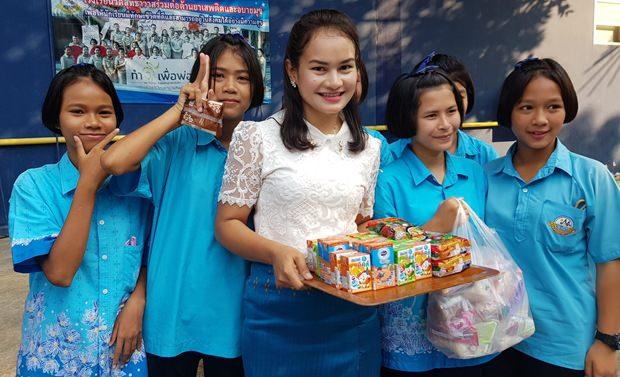 Kinder werden im Central Festival Beach Pattaya verwöhnt.