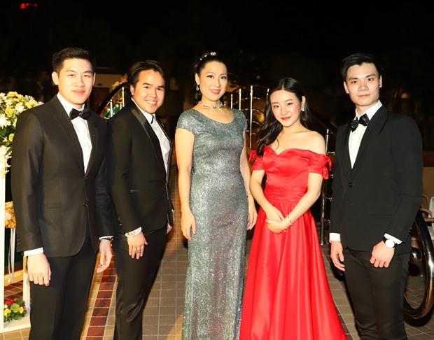 Mitglieder der Grand Opera Bangkok.