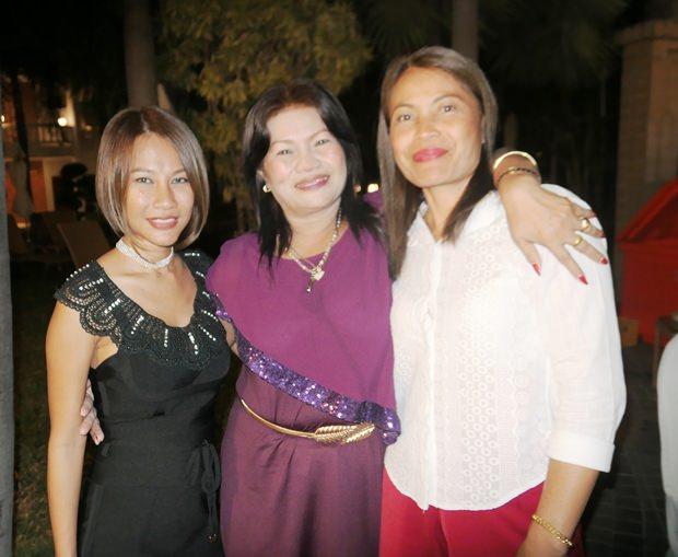 Kiki Arp mit ihrer Mutter und deren Freundin.