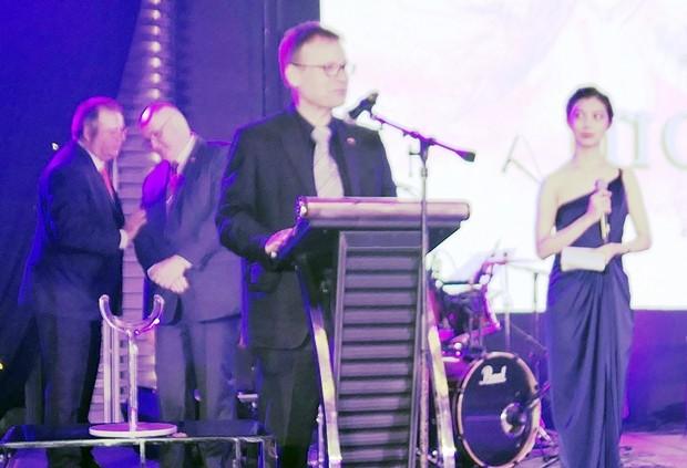 Der deutsche Botschafter Georg Schmidt bei seiner Rede.