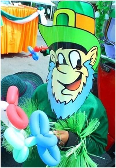 Ein fast echter St. Patrick's Tag Kobold.