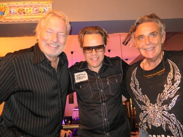 Musiker unter sich: (von links) Barry Upton, Jerry Lee Carlson und Axel Brauer, der selbst jahrelang Schlagzeug spielte.