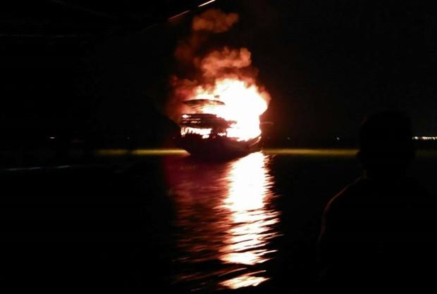 Die Phomanee 3 stand in Flammen und es wurde eine Stunde zur Löschung des Feuers benötigt.