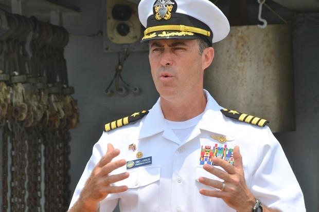 Kapitän Eric Anduze, der Kommandant der USS Blue Ridge.