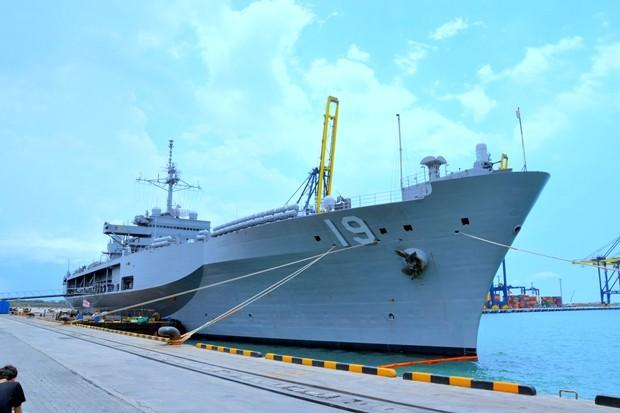 Das Kommandoschiff der 7. Flotte der Us Marine, die Blue Ridge.