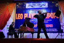 Leo Philipps an der Violine und Robert Costin am Piano, gaben ihr Bestes.