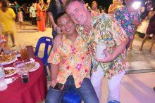 Thomas Sack mit seinem sehr guten Freund und Flugpartner, Polizeioberstleutnant Sirayut AeJittiyate.