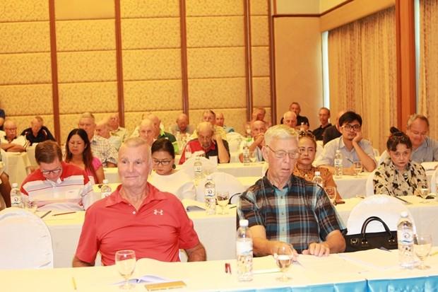 Das Kommitee und die Mitglieder des Pattaya Sports Clubs.