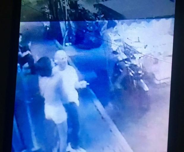 Im Film sieht man deutlich wie der Diebstahl durchgeführt wird.