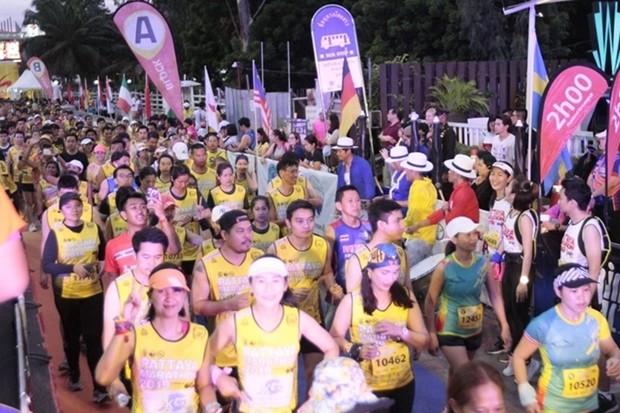 An die 12.000 Läufer aus aller Welkt nehmen am Marathon teil.