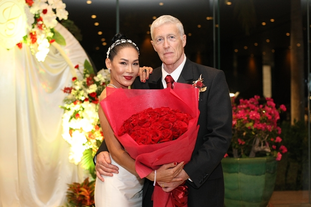 An Jana&Thomas Keightley's Hochzeitsfeier nahmen viele Rotarier teil.