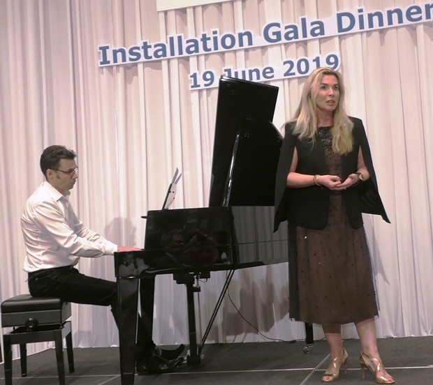 Freya Schumann und Philippe Guilhon Herbert sorgen für fantastische musikalische Unterhaltung.