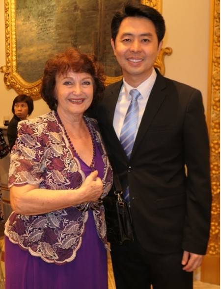 Pattayaner unter sich: der Berater des Kuturministers, Poramet Ngampichet mit Elfi Seitz.