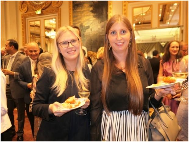 Judith Schildberger (rechts) mit einer Freundin.