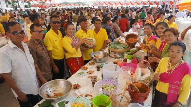 Kostenloses Essen wurde für von den Besuchern des Event an bedürftige Mitmenschen ausgegeben.