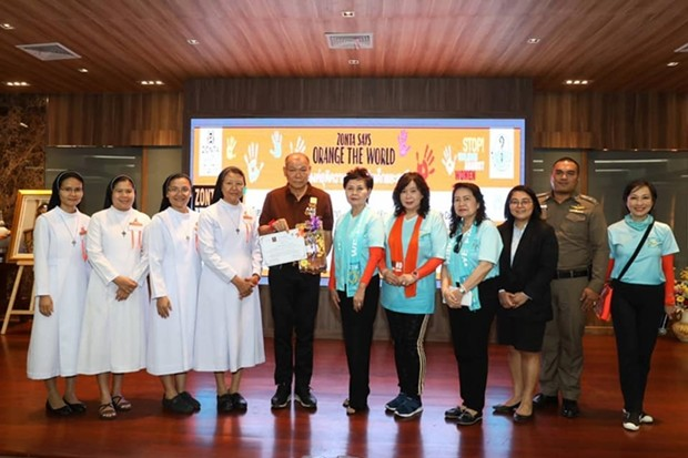 Mr. Banlue Kullavanijaya, Pattaya Deputy Mayor chaired opening ceremony of forum regarding violence level against children and women in Thailand 4.0 and government's measure with representatives from Pattaya Province Prosecution Office, Zonta Club of Bangkok 8, Fountain of Life, Fr. Ray Foundaiton, and relevant sectors.