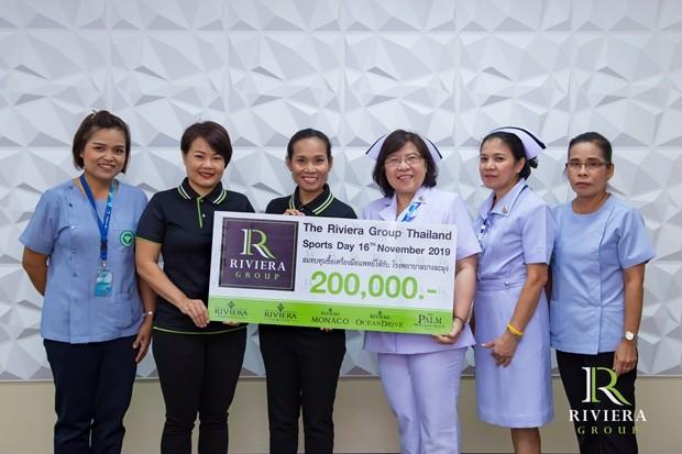 200.000 Baht gehen ans Banglamung Krankenhaus zum Kauf medizinischer Geräte.