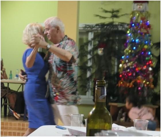 Paolo mit seiner Russin beim Tanz.