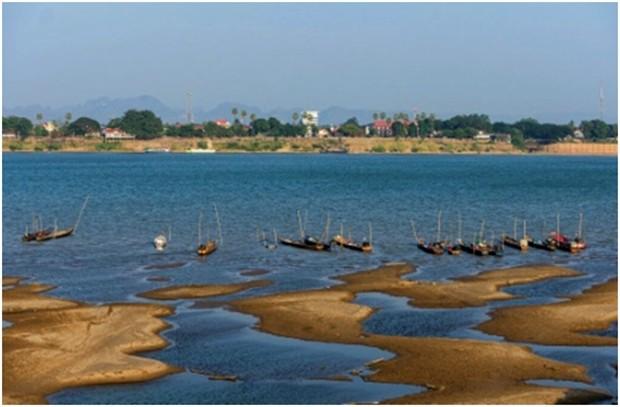 Fischerboote liegen vor Anker im Mekong River in der Provinz Nakhon Phanom. (AP Photo/Chessadaporn Buasai)