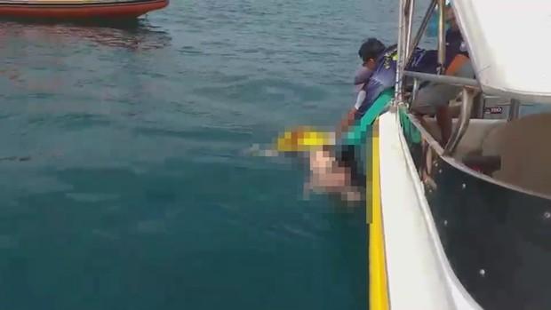 Ein ausländischer Toter treibt vor Koh Larn im Wasser.