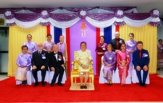 Das Gemeinschaftsbild der Rotarier mit IKH Prinzessin Maha Chakri Sirindhorn.