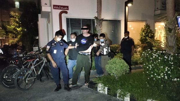 Der Polizei gelang es schließlich den Mann zu beruhigen.