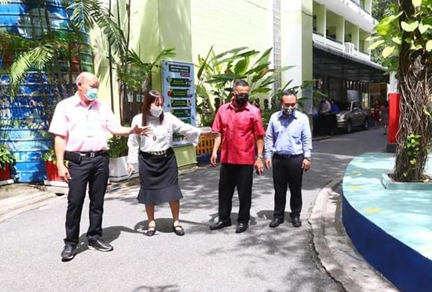 Vizebürgermeister Banlue Kullavanijaya bestätigte die Bereitschaft der Schulen zur Wiederaufnahme des Unterrichts.