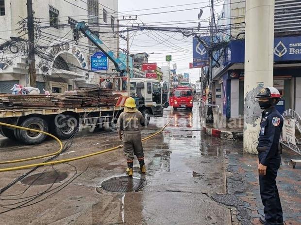 Die Feuerwehrleute konnten das Feuer innerhalb kurzer Zeit eindämmen.