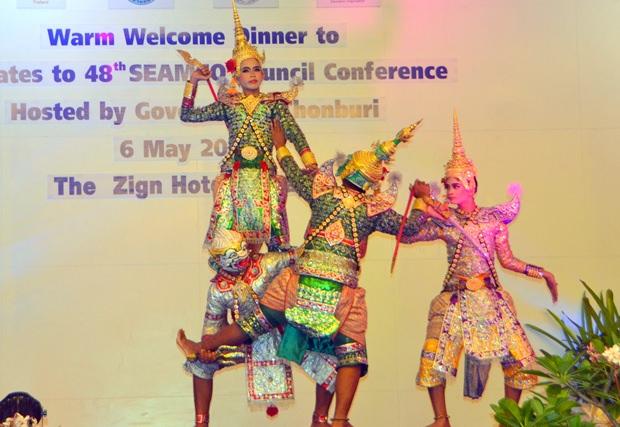 Traditionelle Aufführungen begeistern die Gäste.