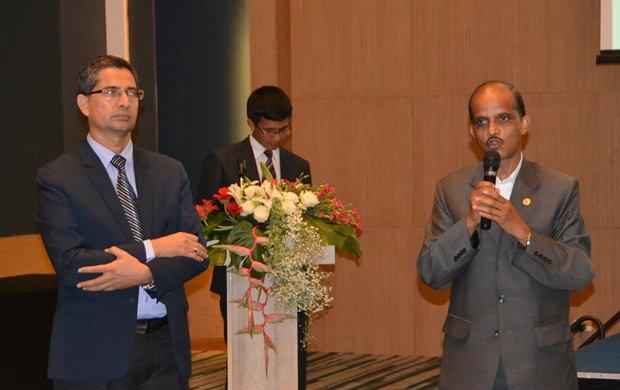 Ratsmitglied Dornath Aryal und Botschafter K.N. Adhikari beantworten alle Fragen, um Reisende nach Nepal zu locken, das ihrer Meinung nach wieder völlig sicher ist.