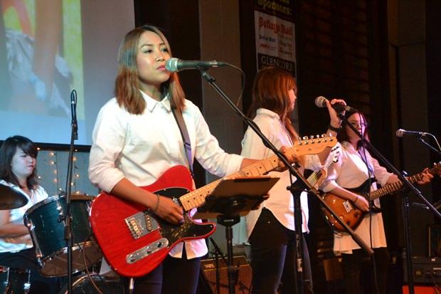 Super Unterhaltung boten die Unicorn Mädchen aus Bangkok.
