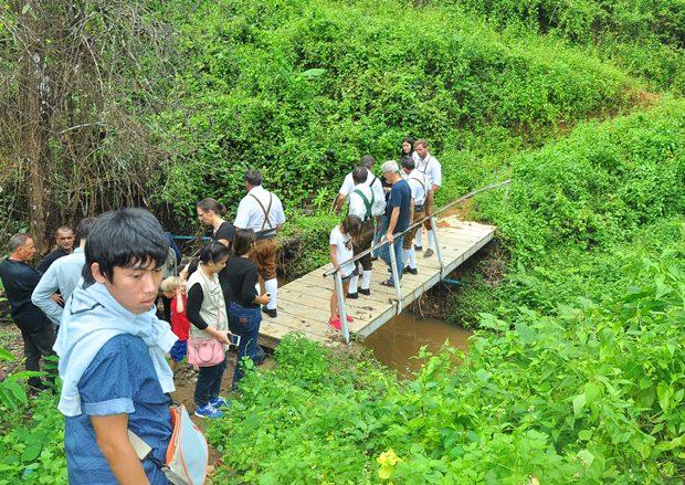 Von diesem Bach bekamen die Kinder ihr Duschwasser – bis die Wasserpumpe weggeschwemmt wurde.