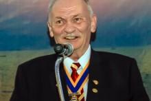 Gründungspräsident Stephan Heynert bei seinen Erklärungen über die Geschichte des Rotary Clubs Phönix Pattaya.