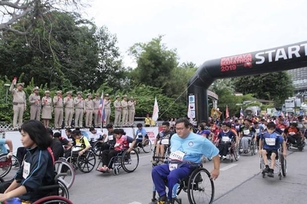 Start für die Rollstuhl-Fahrer.