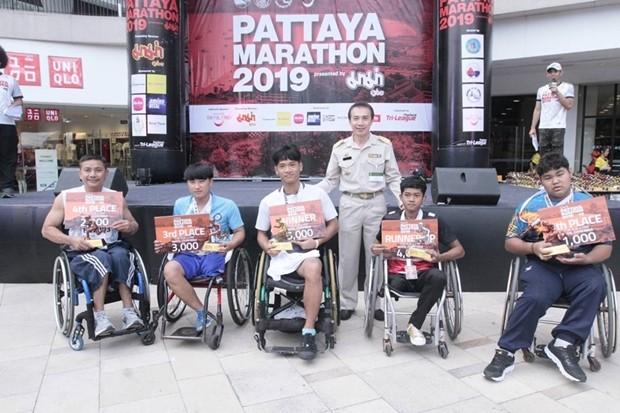 Rollstuhl-Sieger Nattakan Chaotrakan.