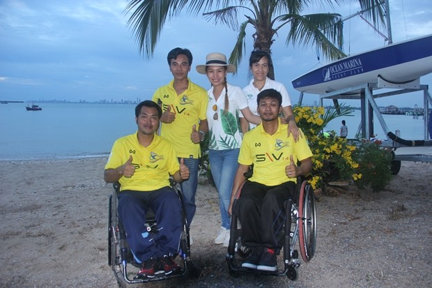 Drei Thainational-Segelathleten.