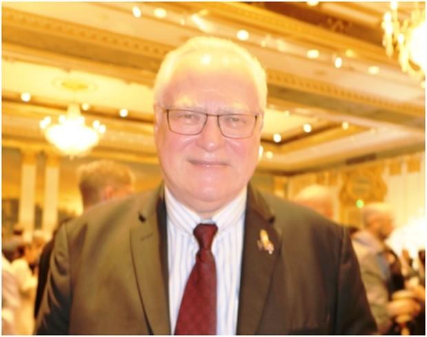 Georg Wolff, der Präsident des Rotary Clubs D.A.C.H. Bangkok, nun auch Vizepräsident der EABC, ist hier beim Fest zur Deutschen Einheit 2019 in Bangkok.