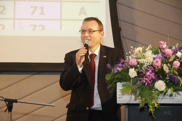 Seine Exzellenz, der deutsche Botschafter Georg Schmidt bei seiner Rede.