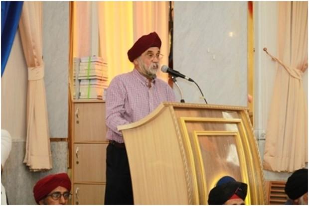 Paramjit Singh Ghogar erzählt die Geschichte der Sikh Religion.
