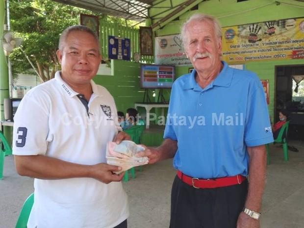 Supagorn Noja erhält finanzielle Unterstützung von William Macey.