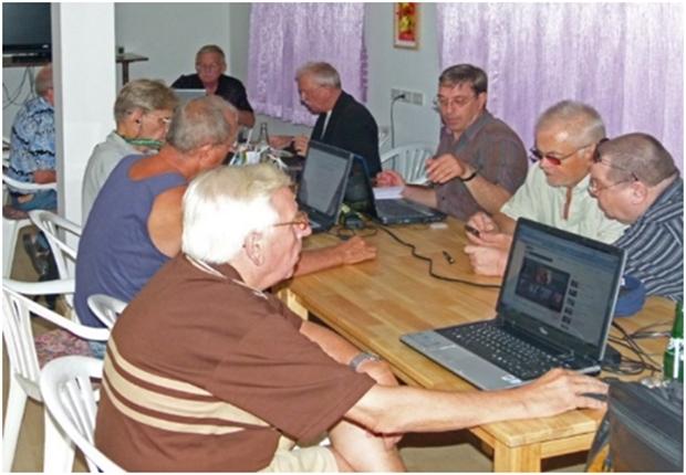 Und jene die besondere Fragen oder Probleme haben können an Kursen des BZ Computerclubs teilnehmen.
