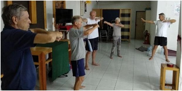 Joachim Albrecht kümmert sichum die Senioren-Gymnastik und hilft vielen wieder auf die Beine.